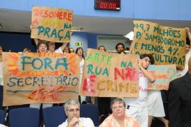 Agentes culturais fazem manifestação na Câmara