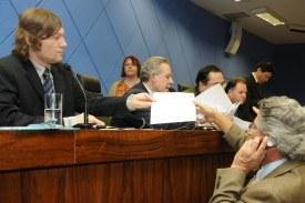 Aprovado projeto que dá publicidade a contratos da Prefeitura