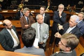 Aprovado projeto que permite a Prefeitura assumir dívida da Emdec