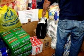 Campanha SOS Rio arrecada quase 2 toneladas de alimento