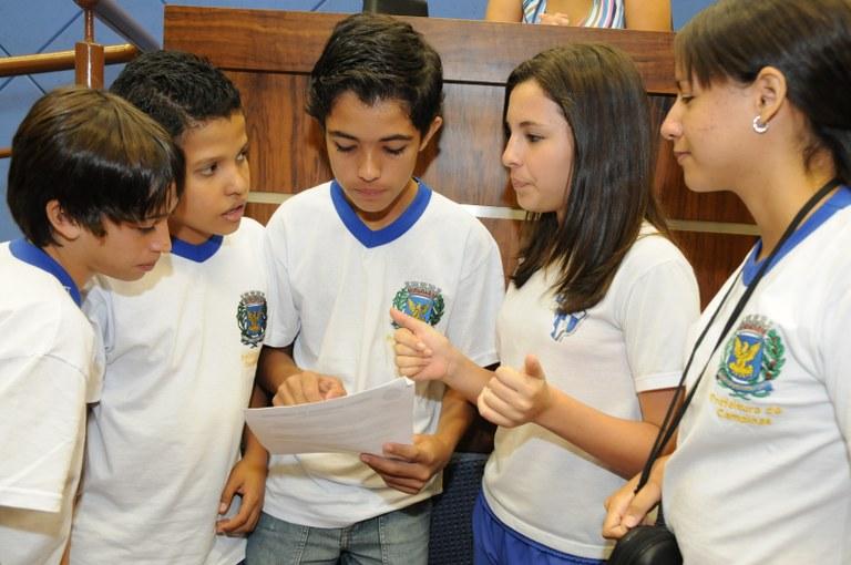 Parlamento Jovem aprova projeto que prevê a acessibilidade nas escolas