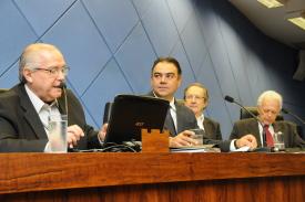 Projeto dos alvarás é retirado de pauta e será reavaliado por comissão