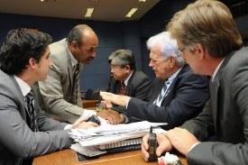 Projeto prevê contratação de intérprete de Libras na rede pública