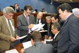 Resultado da votação desta 2ª feira (06/12) da Câmara