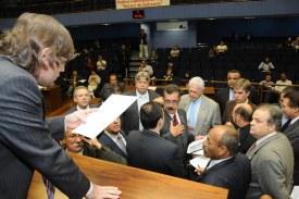 Resultado da votação desta 2ª feira (17/05) da Câmara