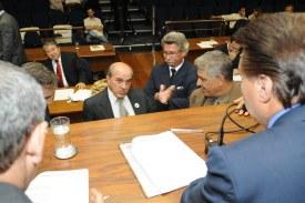 Reunião extraordinária aprova três projetos do Executivo