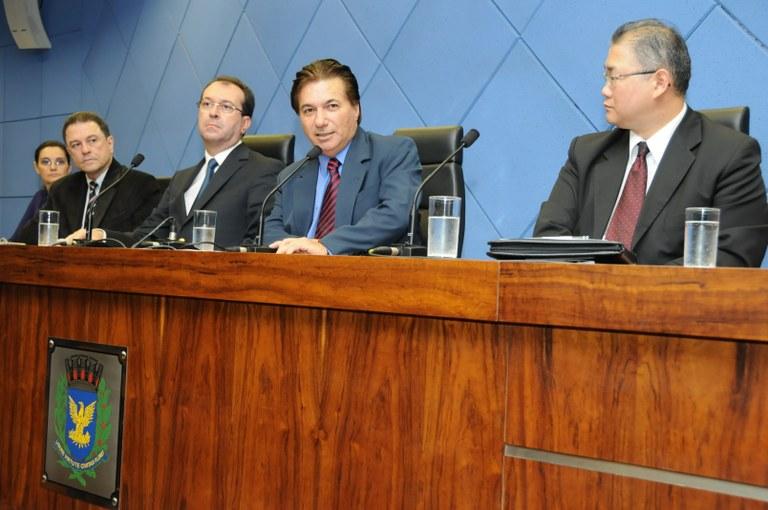 """Seminário na Câmara discute """"Os Desafios da Adolescência na Escola"""""""