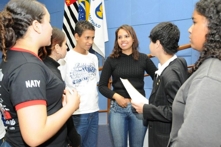 Vereadores-estudantes aprovam projetos relacionados ao Meio Ambiente
