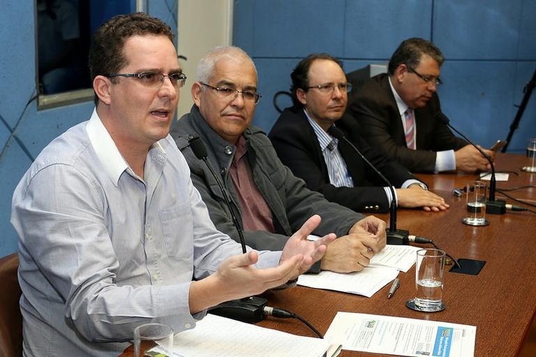 Debate sobre reforma política realizado na Câmara levanta pontos polêmicos da PEC que vai mudar  o sistema eleitoral
