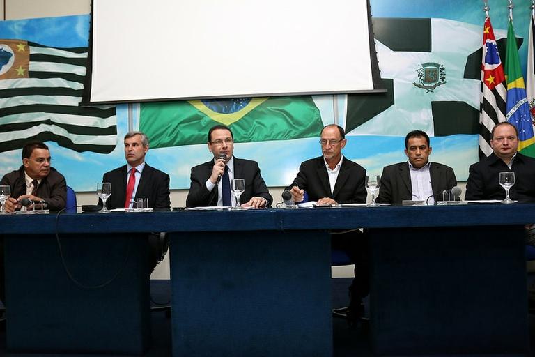 Encontro nacional de vereadores é proposto em reunião do Parlamento da RMC realizada em Nova Odessa