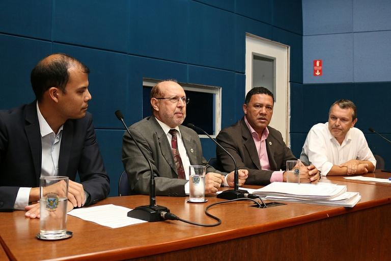 Comissão de Educação, Cultura e Esporte realiza última reunião do ano e dá parecer favorável ao PL que cria restrições a datas comemorativas