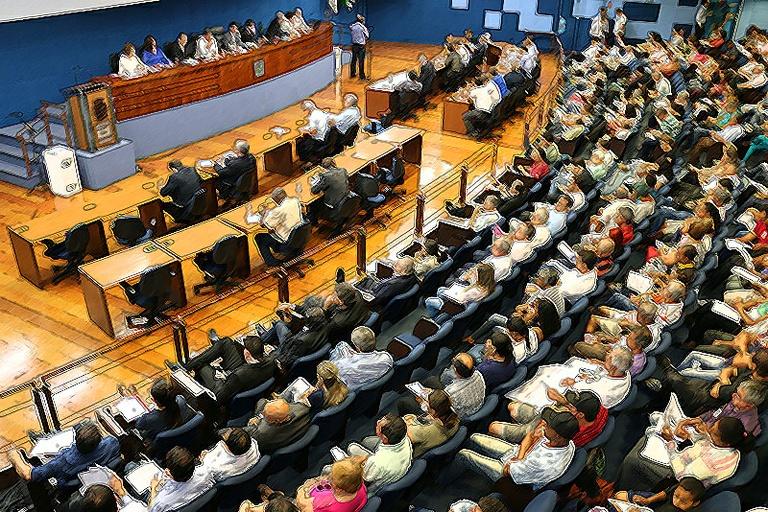 Retrospectiva 2017: em setembro, Câmara possibilita participação da população via Internet em audiências, recebe o projeto do PDE e faz debate sobre a crise do Ouro Verde