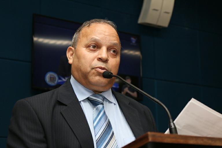 Ailton da Farmácia apresenta moção de apelo para que concessionária realize obras de melhorias na malha ferroviária da cidade