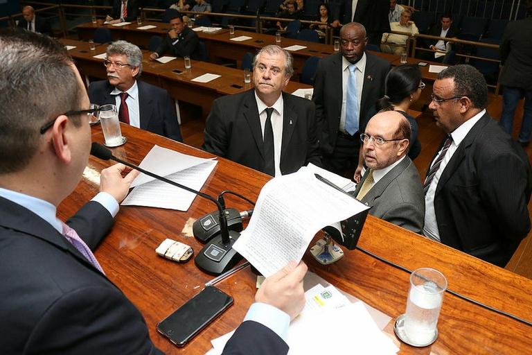 Vereadores analisam na sessão de segunda-feira (01) Plano Diretor e Orçamento para 2018; ambos serão votados em 1ª discussão