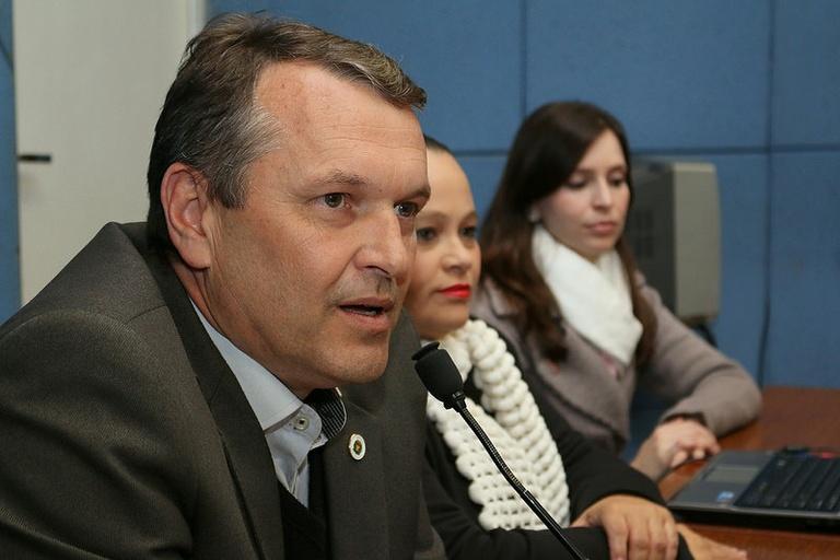 Comissão Permanente das Pessoas com Deficiência ou Mobilidade Reduzida se reúne nesta terça-feira (21) para apresentar cadeira controlada pelas expressões faciais