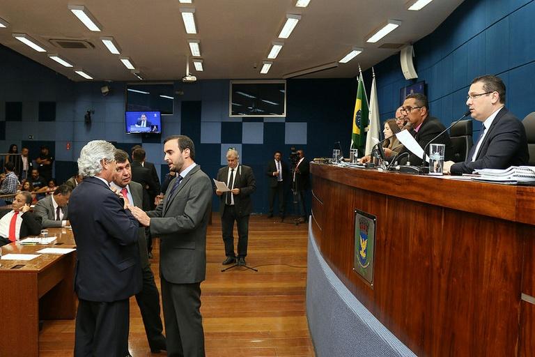 Fora da pauta: Escola Sem Partido tem urgência retirada e Bernardelli pede vistas; confira a íntegra da votação desta segunda (11)
