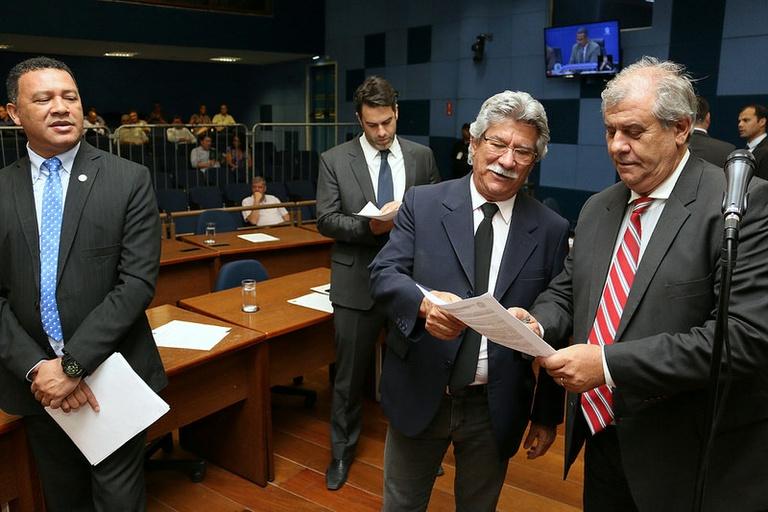 Vereadores aprovam, em votação final, PL que cria campanha de conscientização contra o vandalismo na rede municipal de ensino