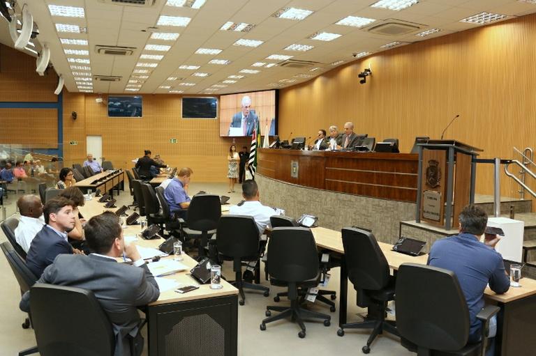 Por quase três horas, 25 vereadores sabatinam secretário de Transportes no Plenário da Câmara; veja o vídeo na íntegra