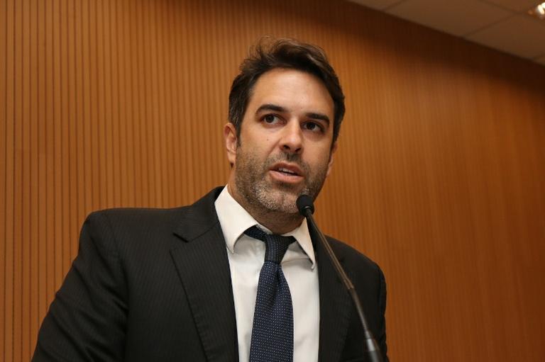 Após início das aulas com problemas, Nelson Hossri cobra providências da Prefeitura