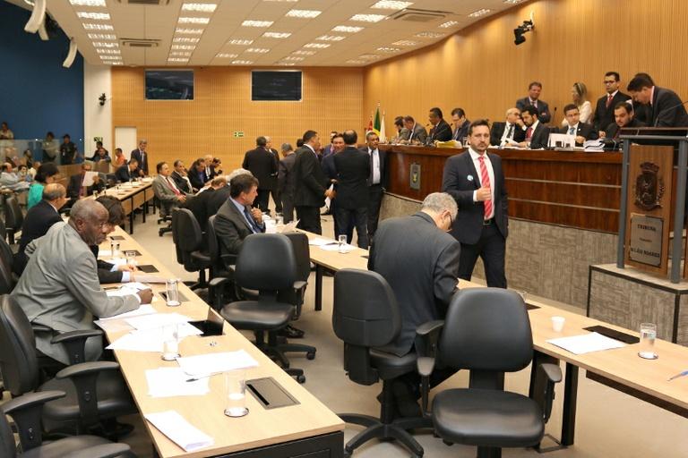 Na quarta-feira de cinzas (14) vereadores analisam sete projetos; entre eles o que altera regras de isenção do IPTU para parcelamento do solo