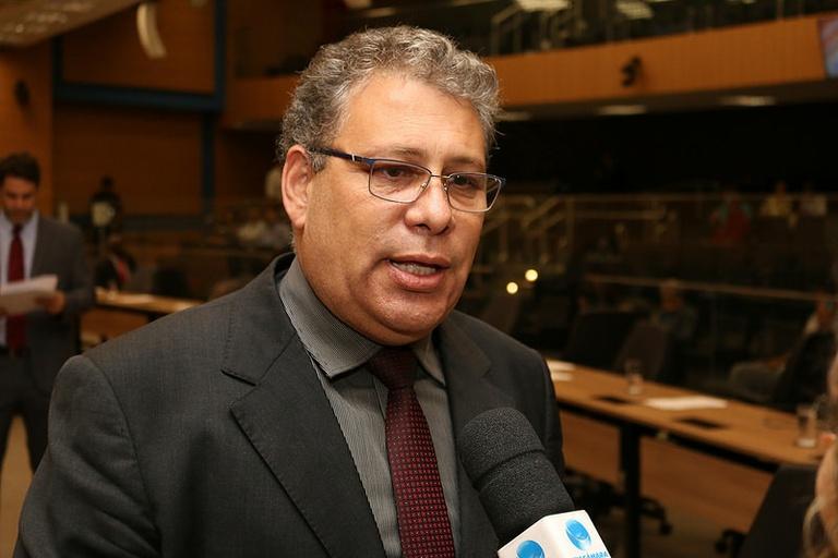 Carmo Luiz quer que Campinas tenha programa de vacinação domiciliar