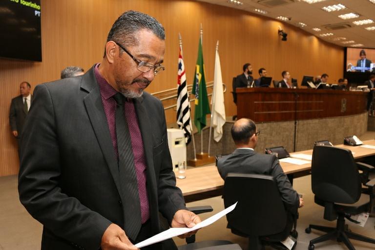 Câmara aprova moção de apoio à iniciativa do Ministério da Saúde em combater as Fake News
