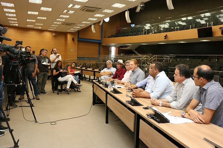 Em carta aberta à população, nove vereadores dizem que analisarão dados apresentados pelo MP para decidir providências necessárias
