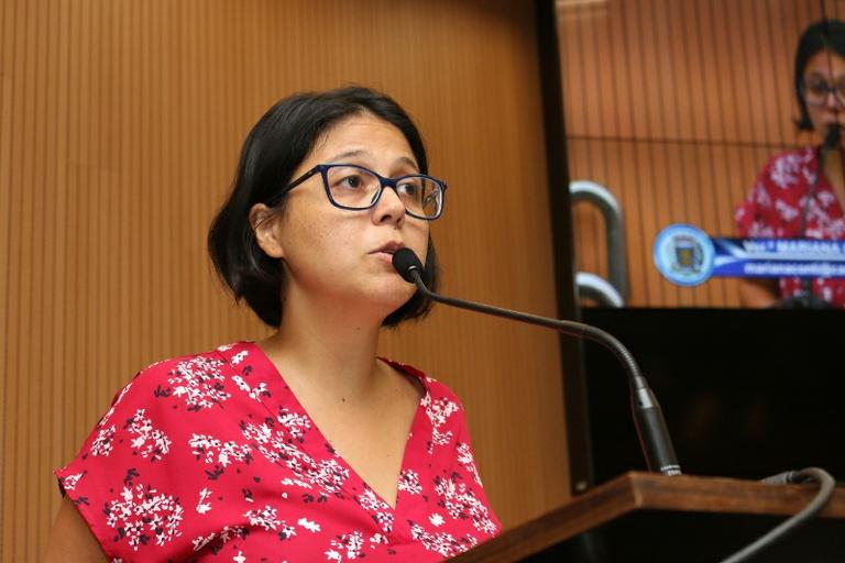 Mariana Conti protocola requerimento cobrando explicações sobre devolução de verba destinada à saúde mental