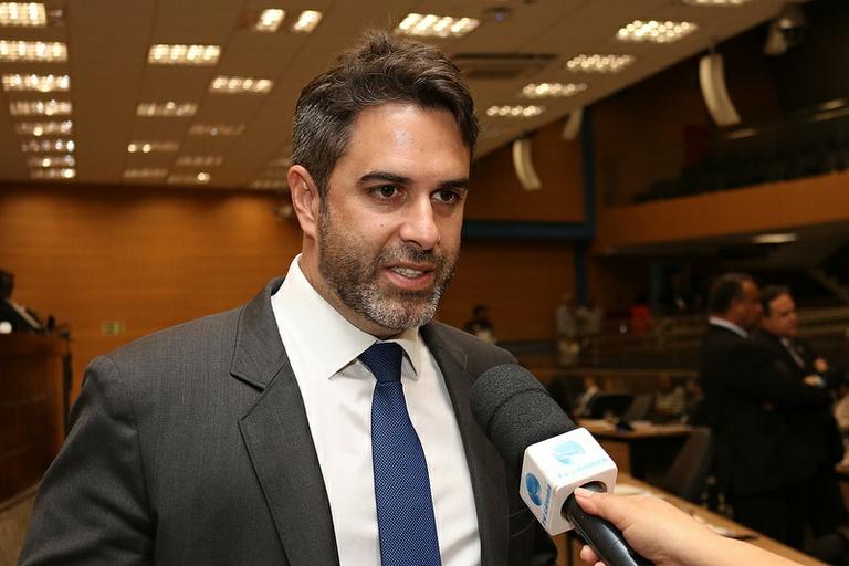 Nelson Hossri pede abertura da CPI da merenda