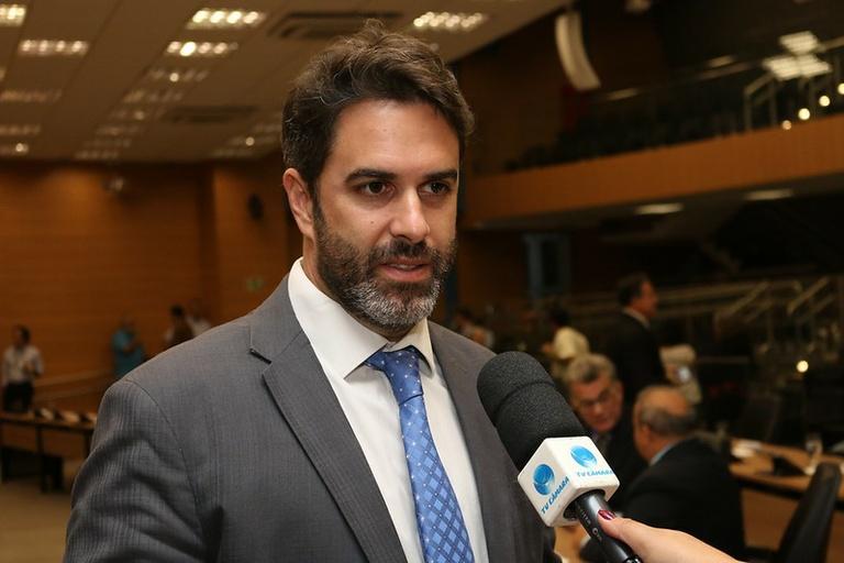 Após denúncia de Nelson Hossri, Ministério Público do Trabalho pede que Farmácia de Alto Custo do Estado regularize atendimento até outubro
