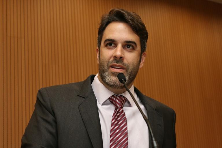 Nelson Hossri - autor do requerimento de convocação de secretário de Governo – pede que Comissão Processante aguarde o depoimento de Michel Abrão antes de concluir relatório
