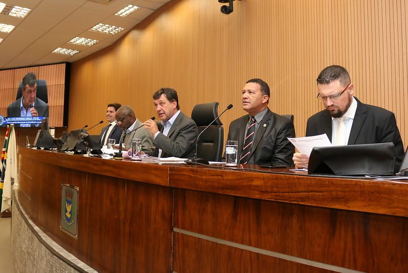 Comissão de Constituição e Legalidade aprova parecer e Refis 2019 avança na Câmara