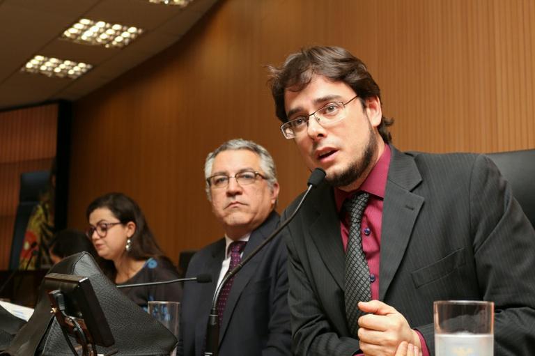 Audiência pública, promovida por Pedro Tourinho, relata que as mulheres serão prejudicadas com a Reforma da Previdência