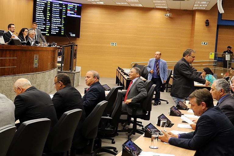 Câmara vota nesta segunda (6), em análise final, PL que obriga Centros de Formação de Condutores a disponibilizar intérprete de Libras