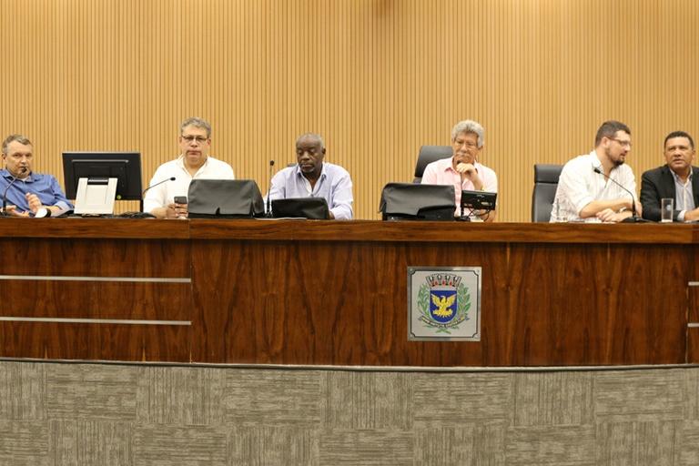 Comissão Constituição e Legalidade aprova por unanimidade o Programa 'Mais Médicos Campineiro'
