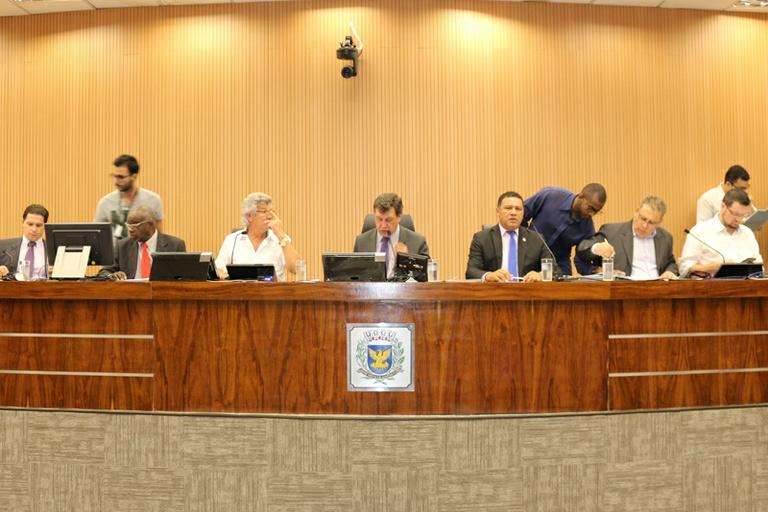 Comissão de Constituição e Legalidade aprova projeto que proíbe comércio e uso de spray de espuma