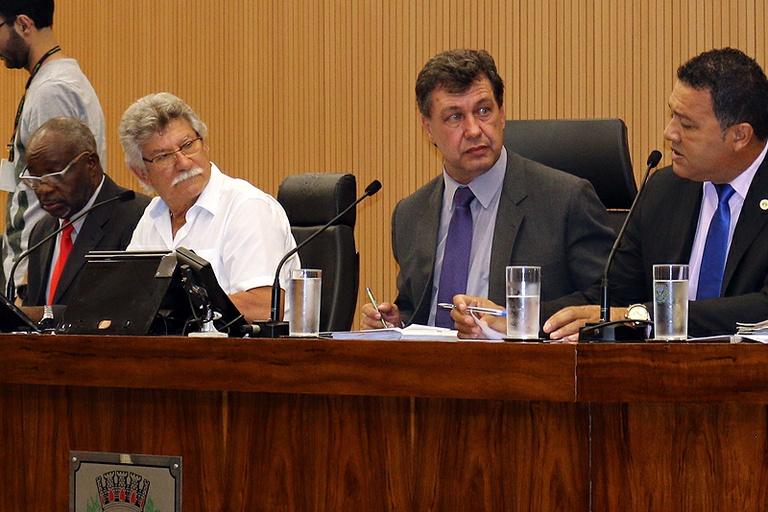 Comissão de Constituição e Legalidade aprova projeto que proíbe excesso de barulho nos escapamentos de motos