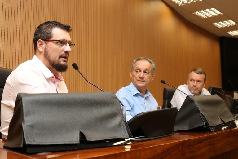 Comissão de Meio Ambiente analisa programa de adoção de praças e manutenção de canteiros