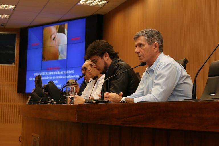Comissão de Política Social de Saúde promove debate público com secretário de Saúde para detalhar o Programa Mais Médico Campineiro