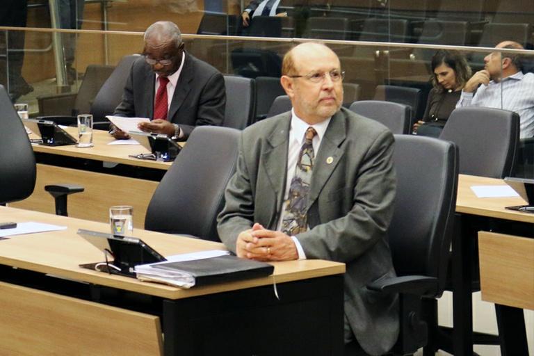 Comissão Especial de Honraria aprova 34 projetos de lei