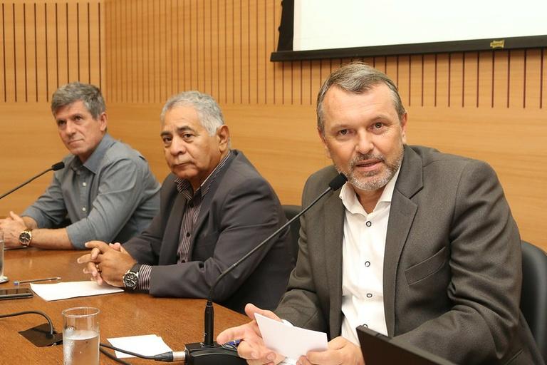 Comissão Mobilidade Reduzida discute formas para melhorar a acessibilidade no trânsito e o respeito às vagas exclusivas