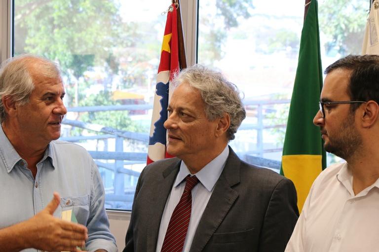 Filho de Jango, João Vicente Goulart visita a Câmara de Campinas e destaca importância da democracia