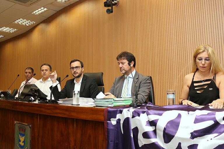 Debate sobre o Plano Municipal de Educação cobra Projeto de Gestão Democrática e Conferência