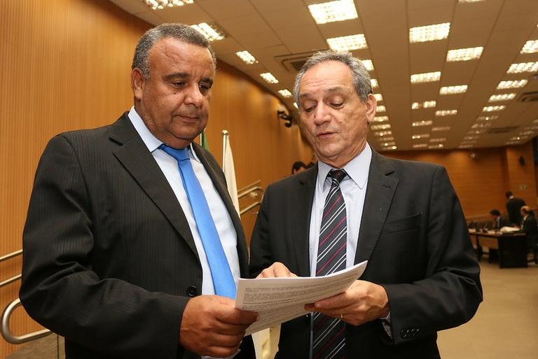Projeto de Cidão Santos e Luiz Rossini suspende cobrança de IPTU a proprietários de imóveis desempregados