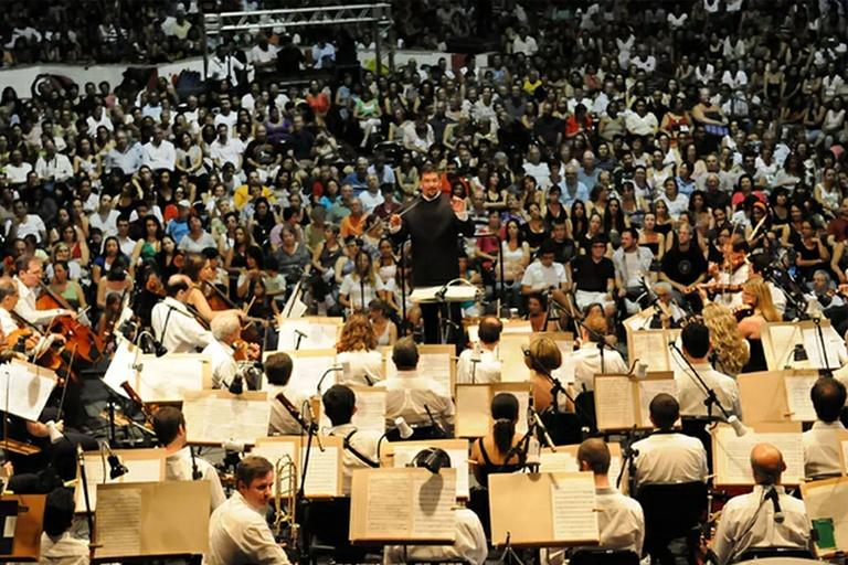 Neste domingo (15) tem estréia especial da TV Câmara: série de programas em homenagem aos 90 anos da Orquestra Sinfônica começa às 9h30, com reprise às 21h30